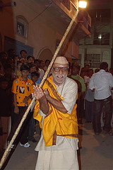7 Yadav Ratna Sri Veerappa Yadav Giving traditional salaam